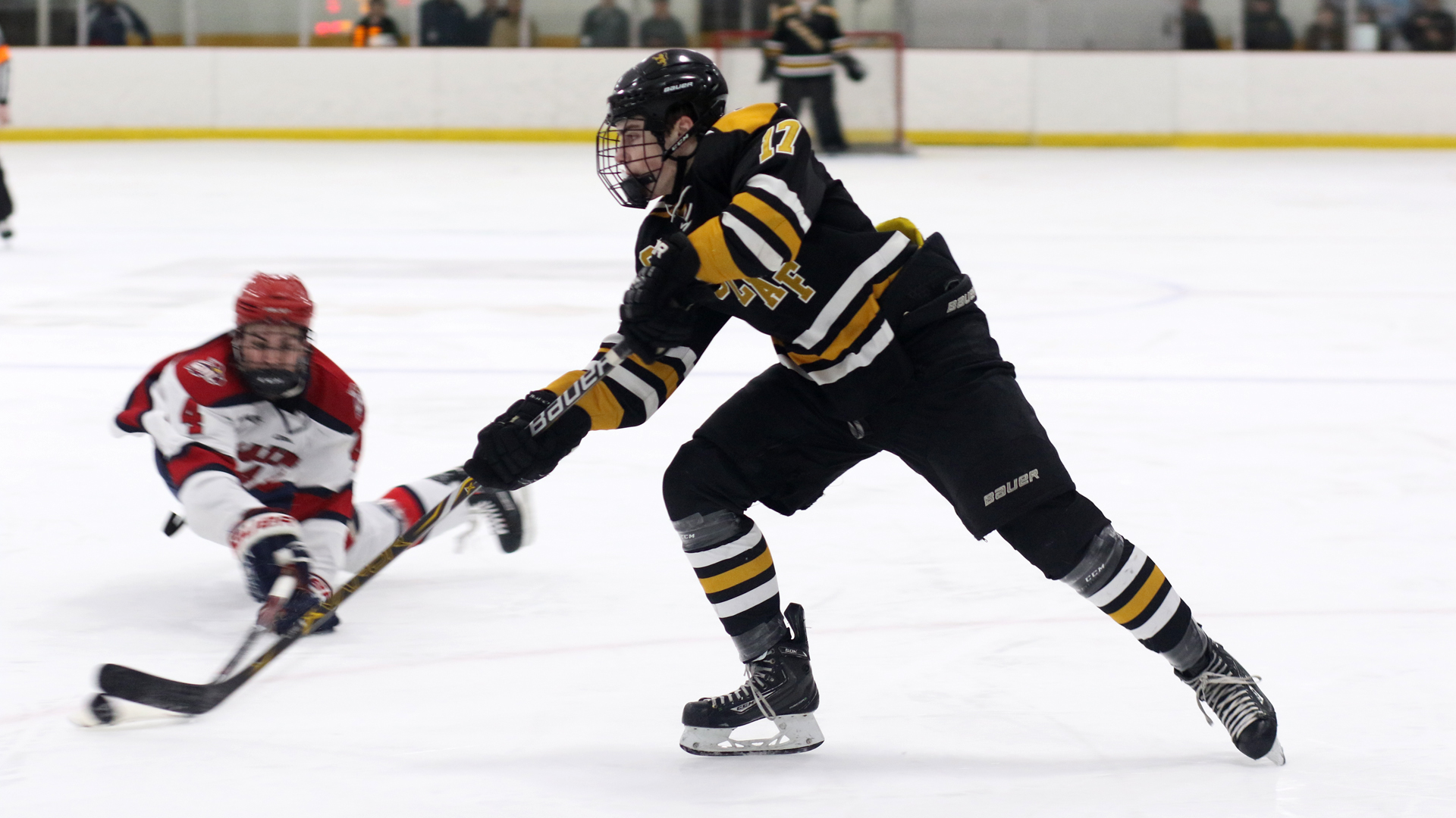 Mens hockey suffers 3 2 loss to smu the official website of st caleb callaway st olaf publicscrutiny Images